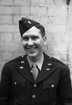 Burgess Meredith, the Hollywood film star, is serving as a public relations officer with the air transport command of the U.S. Army, at the U.S. Army headquarters in London on June 10, 1943. (AP Photo)