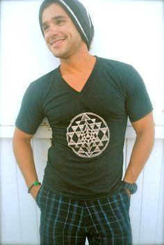 sri-yantra-sacred-geometry-unisex-v-neck