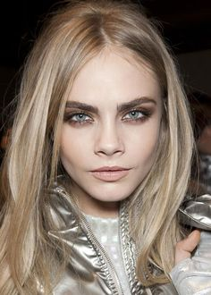 Picture of Cara Delevingne Glam Makeup, Beauty Makeup, Hair Makeup, Hair Beauty, Eye Makeup, Cara Delevingne, Shades Of Blonde, Dark Blonde, Blonde Hair