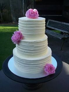 Ombre wedding cake auckland in 8 and 6 inch 4 layer 295 wedding buttercream wedding cake auckland 550 junglespirit Image collections