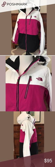 NWOT North Face Winter Ski Coat ❄️️Pink Black Brand new without tags, never worn, The North Face weatherproof winter coat. Ideal for outdoor winter sports. Women's size Large. North Face Jackets & Coats