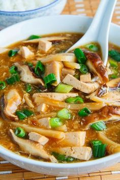 Quick and Easy Chinese Hot and Sour Soup. A healthy soup recipe that is better for you than takeout! Use coconut sugar rather than brown sugar to keep this soup clean eating friendly. Pin now to make this healthy soup recipe later! Vegetarian Recipes, Cooking Recipes, Healthy Recipes, Tufu Recipes, Asian Food Recipes, Recipies, Oriental Recipes, Oriental Food, Simple Recipes