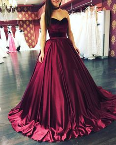 Burgundy Sweetheart Ball Gown Prom Dress,Satin Wedding Party Dress With Sweep Train