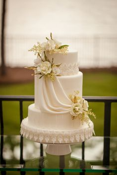 White Flower Cake Grecian Wedding Ideas http://www.caseyhphotos.com/