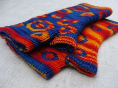 reversable double knit fingerless mits by Julia Mueller (Laris)