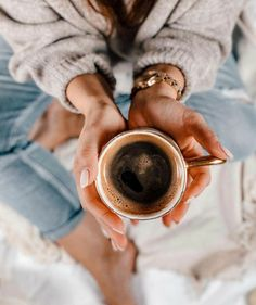 I Love Coffee, Food Inspiration, Latte, Tableware, Perfect Timing, Forget, Aesthetics, Moon, Hairstyles