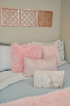 Cute ideas and inspiration for your college dorm/apartment bedroom! #collegedorm #college #apartment #bedroom #girly #pink #rosegold