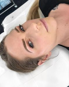 Such a babe! #babesofinstagram #browsonfleek #tattooed #refresh #tattooedbrows #eyebrows #melbourne #feathering #feathertouch #microblading ▪️Info▪️Prices▪️Bookings ▪️www.taylamade-wowbrows.com