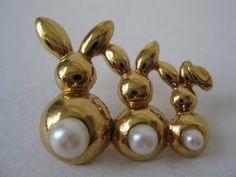Rabbit Brooch Gold Pearl Vintage Pin Tie by vintagejewelryalcove, $10.50