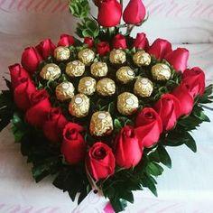 Corazón de rosas y chocolates ferrero ♥
