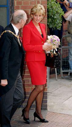 The catalogue of royal fashion — Diana, Princess of Wales Lady Diana Spencer, Diana Fashion, Royal Fashion, Princess Kate, Princess Of Wales, Catherine Walker, Camilla Parker Bowles, Princes Diana, Diane