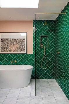 Bright apartment in London, where the eternal lives . - Bright apartment in L . Bright apartment in London, where the eternal lives . - Bright apartment in London, where eternal summer lives Tub Shower Combo, Shower Tub, Shower Tiles, Shower Floor, Shower Rooms, Bad Inspiration, Bathroom Inspiration, Bright Apartment, Apartment Living