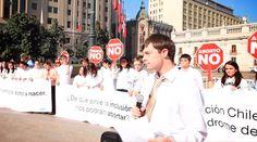 """""""¿De qué sirve la inclusión si nos podrán abortar?"""" fue una de las preguntas que un grupo de jóvenes con Síndrome de Down lanzaron el miércoles 27 de mayo frente al Palacio de La Moneda, como manifestación en contra de la ley de aborto que está impulsando el actual Gobierno de Chile. https://www.aciprensa.com/noticias/video-de-que-sirve-la-inclusion-si-nos-podran-abortan-claman-ninos-con-down-48826/"""