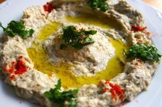 Mtabbal (paté) de berenjena, receta árabe riquísima y muy fácil de realizar. Tapas, Vegetarian Recipes, Cooking Recipes, Healthy Recipes, My Favorite Food, Favorite Recipes, Mezze, Middle East Food, Lebanese Recipes