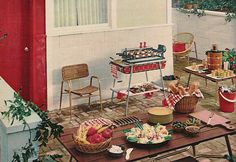 Keep it classic this Memorial Day with Macaroni Salad! Ruby Lane Retro Recipe – Classic Macaroni S Vintage Patio, Vintage Picnic, Vintage Space, Retro Vintage, Vintage Food, Vintage Kitchen, Retro Recipes, Vintage Recipes, Barbacoa