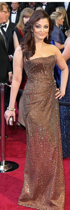 #Red Carpet @ #Cannes - Aishwarya Rai-Bachhan jaglady