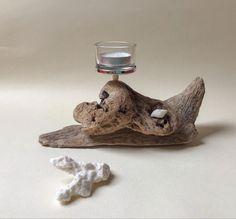 Bougeoir en bois flotté et son petit coquillage Decoration, Candles, Decor, Decorations, Decorating, Dekoration, Ornament