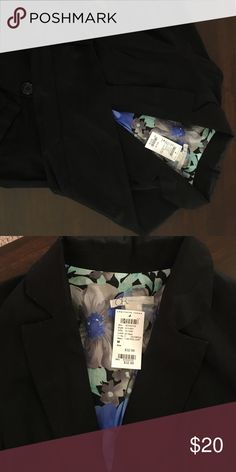 Black blazer This never worn black blazer is perfect for a job interview or work! It's TTS and has a beautiful floral inside. The sleeves reach mid-forearm. Charlotte Russe Jackets & Coats Blazers