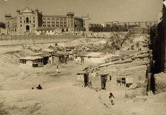 En 1950 había gente viviendo en chabolas junto a la Plaza de Toros de Las Ventas. #madrid
