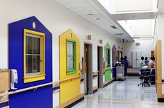Take a look inside the NICU at Cincinnati Children's- This looks amazing; 1 of the 3 top ranked NICU in the US. Healthcare Architecture, Child Life Specialist, Medical Office Design, Hospital Design, Intensive Care Unit, Entry Hallway, Doctor Office, Classroom Design, Project Life