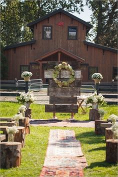 Rustic barn wedding ceremony ideas / http://www.deerpearlflowers.com/rustic-barn-wedding-ideas/