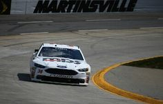 Laying down some fast laps Event: 2016 STP 500 (Martinsville)