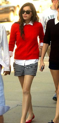 #HaileeSteinfeld in @Ann Flanigan Taylor #shorts http://rstyle.me/n/3n6umn8e for $39.50 #recessionista #summer