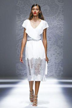 Неделя моды в Милане: женственные показы Blumarine и Ermanno Scervino весна-лето 2018 | СПЛЕТНИК