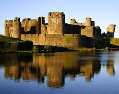 Caerphilly Castle	Castell Caerffili	Wales	51.5761,-3.2203