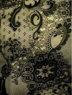 Hand made #Lace  , I just found  @susannagee , she  has great boards..... Incredible ! <3
