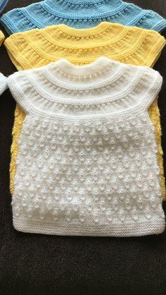 """Diy Crafts - Bu modelin baklava bolumun ort """"Discover thousands of images about ajurlu-kutucuklar-orgu-bebek-yelek-ornegi"""", """"this pin was disc Baby Knitting Patterns, Baby Cardigan Knitting Pattern, Vest Pattern, Knitting For Kids, Easy Knitting, Knitting Designs, Baby Patterns, Knit Vest, Poncho With Sleeves"""