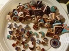 ATTENZIONE! a breve su Etsy, Lab Liu, anelli con decoro in ceramica artigianale e tante colorate mollettine in legno!