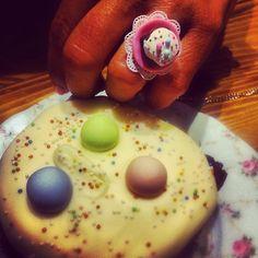 Mud pie ring Mud Pie, All About Fashion, Doughnut, Brownies, Sugar, Eat, Ring, Desserts, Food