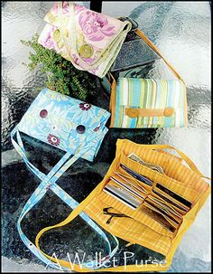 A Wallet Purse....sadly no link but the picture gives the idea...think I can re- create it