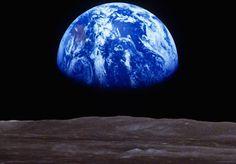 Un coucher de Terre vu de la Lune