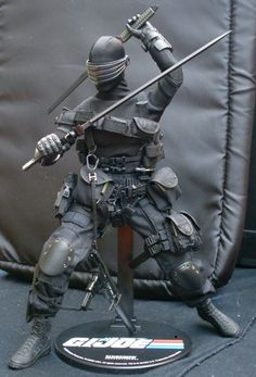 Snake Eyes from GI Joe. One of my favourite toys of all time. Para mi tambien!!!!!