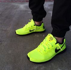Shop Women's Nike Green Silver size Athletic Shoes at a discounted price at Poshmark. Description: Nike Free Neon Green and Black Men size Women size Sold by Fast delivery, full service customer support. Neon Nike Shoes, Nike Neon, White Nike Shoes, Nike Free Shoes, Nike Shoes Outlet, Running Shoes Nike, Nike Air, Kd Shoes, Nike Shoes Girls Kids