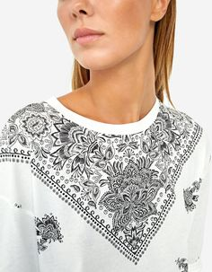 Floral print folk T-shirt - T-shirts | Stradivarius Serbia