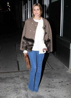 Si todavía no crees en los pantalones campana, es que no has visto a Olivia Palermo con ellos