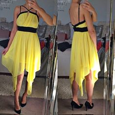 """Yellow flowy dress! 💛 Like brand new, worn maybe once. Says size M but better for S (I'm S). I'm 5.7"""". Double Zero Dresses"""