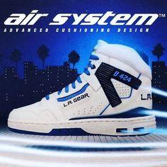 Advanced Cushioning Design L. La Gear Sneakers, Moda Sneakers, Retro Sneakers, Classic Sneakers, Sneakers Fashion, High Top Sneakers, Sneakers Nike, Sneaker Boots, Tenis Basketball