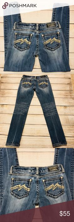 🌹MISS ME🌹Gorgeous SKINNY JEANS # JE1038S5L Sz28 🌹MISS ME🌹Gorgeous SKINNY JEANS # JE1038S5L Sz28  💥 inseam is 28 inches  💥 Rise is 7 inches 💥 preloved in great condition Miss Me Pants Skinny