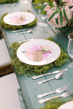 Paintbrush place cards | Mint Photography | see more on: http://burnettsboards.com/2014/08/monets-water-lilies-wedding-inspiration-shoot/