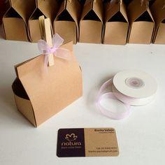 Cajitas de papel craft. Usadas para regalar muestras de marca Natura