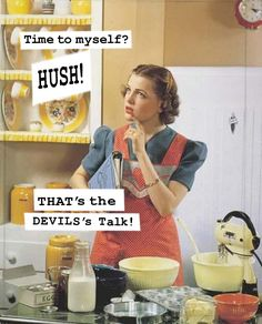Retro Housewife ((i love a lot of retro/vintage)) 1950s Housewife, Vintage Housewife, Housewife Humor, Housewife Quotes, Pin Ups Vintage, Vintage Images, Retro Images, Vintage Pictures, Nostalgic Pictures