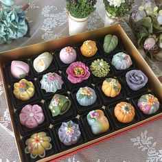 Honey, be bunny ♥ Japanese Wagashi, Japanese Sweets, Japanese Food, Japanese Candy, Jelly Cookies, Shortbread Cookies, Cute Desserts, Cafe Food, Aesthetic Food