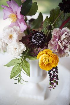 Love the yellow ranunculus, pokeweed berry, swiss chard and LOVE these carnations - such pretty tones.