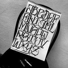 Graffiti Alphabet Fonts, Tattoo Lettering Alphabet, Tattoo Lettering Styles, Chicano Lettering, Graffiti Lettering Fonts, Tattoo Script, Creative Lettering, Script Lettering, Lettering Design