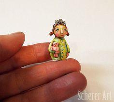 Miniature-Folk-Art-Princess-Pig-Hog-Collectible-Primitive-Dollhouse-Doll