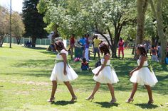 brides maids dresses by MX-creations. Open park wedding